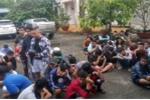 Cảnh sát vây bắt 140 'quái xế' đua xe trên Quốc lộ 1A