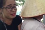 Bị dân bắt lên phường, hot girl bán tăm giá 'cắt cổ' ở Hồ Gươm khóc lóc xin tha