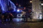Bạo lực, cướp bóc tại Paris trong đêm đội tuyển Pháp lên ngôi vô địch