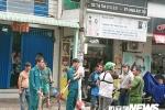 Nam thanh niên nghi cướp giật, cầm hung khí cố thủ trong tiệm game