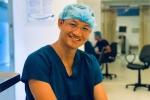 Một ngày làm việc 'kín mít' của bác sĩ phẫu thuật Bệnh viện Việt - Đức