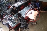 Pin điện thoại nổ như pháo, cháy dữ dội trên tay nam thanh niên ở Phú Thọ