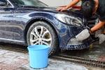 Thiết bị rửa ô tô chỉ với một lít nước của Việt kiều Canada
