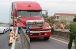 Khởi tố vụ xe container vi phạm tốc độ, hất văng CSGT xuống đường