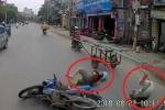 Clip: Xe máy lạng lách vượt ẩu, 2 thanh niên suýt chết trước đầu xe tải