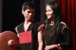 Ảnh Hoa hậu H'Hen Niê năm 19 tuổi, để tóc dài mặc áo dân tộc khiến khán giả thích thú