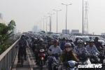 Ùn tắc khủng khiếp, hàng nghìn người chôn chân trên cầu Sài Gòn