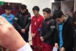 Clip: U23 Việt Nam rớm nước mắt trong phòng thay đồ sau khi tuột cúp vô địch