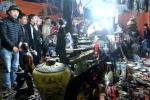 Video: Chợ Viềng đông nghẹt thở, hàng nghìn người chen chúc giữa đêm