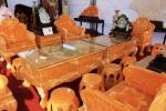 Ngắm bộ bàn ghế quý tộc làm từ 50 tấn ngọc Hoàng Long, giá 8 tỷ đồng ở Hà Nội