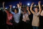Cả thành phố Chiang Rai 'vỡ oà' khi chiến dịch giải cứu đội bóng nhí thành công