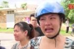 202 học sinh đột ngột bị chuyển trường, phụ huynh bức xúc khóc nghẹn