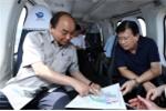 Video: Thủ tướng đi trực thăng thị sát Đồng bằng sông Cửu Long