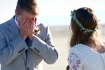 Clip: Rơi lệ loạt khoảnh khắc chú rể khóc nức nở khi nhìn thấy cô dâu