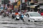 Bí kíp lái xe ô tô qua đường ngập nước