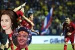 Đông Nhi, Quốc Trường 'Về nhà đi con' vỡ òa khi đội tuyển Việt Nam chiến thắng