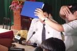 Video: Phó Chánh án Tòa án Cấp cao bị ném dép tại buổi xin lỗi ông Hàn Đức Long