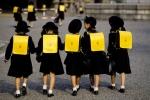 Vì sao người Nhật cho con tự đến trường từ khi còn bé?