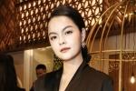 Phạm Quỳnh Anh xúc động kể lại khoảng thời gian tạm gác sự nghiệp để làm mẹ