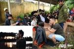 'Lãng tử phố núi' cắt tóc miễn phí cho trẻ em nghèo đốn tim dân mạng