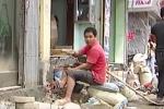Dân Hà Nội vui vẻ bỏ tiền triệu xây bậc tam cấp thụt vào trong nhà