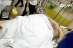 Ăn 30 tô mỳ, chàng béo nặng 317kg nhập viện bằng xe tải