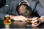 Rượu giả thì ngộ độc trước mắt, rượu thật thì gây loạn thần cho người sử dụng