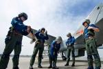 Ảnh quân sự: Đội nữ phi công chiến cơ đầu tiên TQ
