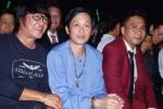Hoài Linh diện áo bà ba, bất ngờ xuất hiện tại Chung kết 'Thần tượng Bolero 2017'