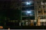Sập giàn giáo công trình ở TP.HCM, 2 người rơi từ tầng 9 thương vong