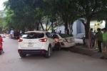 Video: Ô tô CX5 tông hàng loạt xe máy trên đường Hà Nội, tài xế sợ hãi bỏ trốn