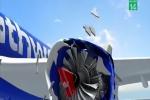 Video: Nữ hành khách bị hút ra ngoài cửa sổ máy bay ở độ cao 9km