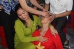 U23 Việt Nam vào chung kết: Mẹ trung vệ Tiến Dũng ngất xỉu vì hạnh phúc