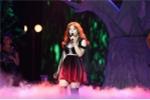 Giọng ca 16 tuổi diện trang phục cả trăm nghìn USD mở màn live concert 'Đừng hỏi em'