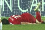 Video: Sút hỏng khó tin, cầu thủ Syria 'ăn vạ' như trẻ con