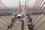 Quảng Ninh 'trảm' những nhà thầu chậm tiến độ thi công cầu Bạch Đằng