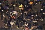 Clip: Giẫm đạp tranh cướp quần áo miễn phí, 23 người chết