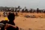 Xô xát ở nhà máy Samsung: CSCĐ hứng 'mưa' gạch đá