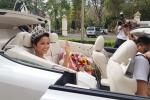 Hoa hậu H'Hen Niê được người dân chào đón, lãnh đạo tỉnh Đắk Lắk thưởng 30 triệu đồng