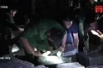 Thủ đoạn thuê trẻ em canh hàng lậu ở biên giới gây phẫn nộ