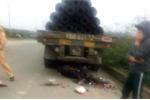 Tài xế lùi xe đầu kéo bất cẩn, tông 2 người thương vong ở Hà Nội