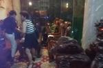 Cảnh sát giải cứu 8 người bị mắc kẹt trong thang máy khách sạn ở TP.HCM