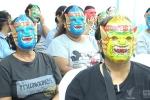 Phụ nữ Thái Lan đeo mặt nạ kỳ quái đi khám phụ khoa