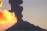 Clip: Khoảnh khắc núi lửa phun trào khủng khiếp ở Mexico