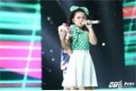 Bé Mai Anh team Noo Phước Thịnh hát 'Đường cong' khiến khán giả phát cuồng