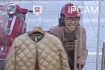 Trộm sang chảnh vào shop nhét quần áo đầy túi xách