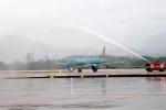 Chuyến bay đầu tiên hạ cánh xuống Sân bay quốc tế Vân Đồn trong ngày khai trương