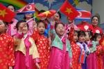 Ảnh: Học sinh mầm non Việt - Triều rạng ngời trong ngày Chủ tịch Kim Jong-un sang Việt Nam