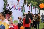 Ngôi nhà kẹo khổng lồ siêu xinh tại Ngày hội Giáng sinh gia đình