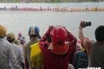 Hang nghin nguoi vay kin song Kien Giang co vu dua thuyen tren que huong Tuong Giap hinh anh 6